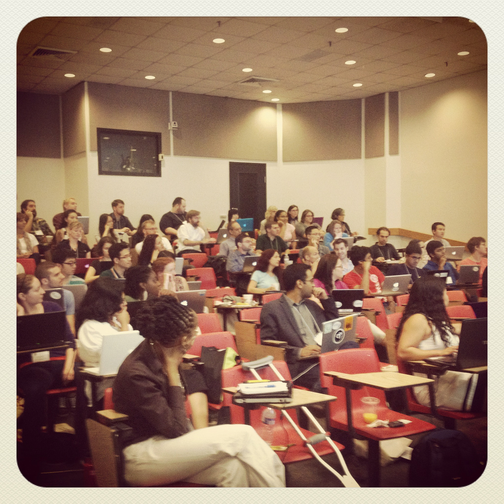 An image of the 2012 Summer Social Webshop class [image courtesy Ben Shneiderman/University of Maryland].
